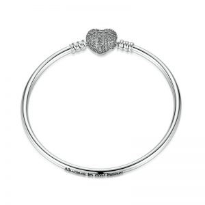 Silver-Bangle-With-Pavé-Heart-Clasp