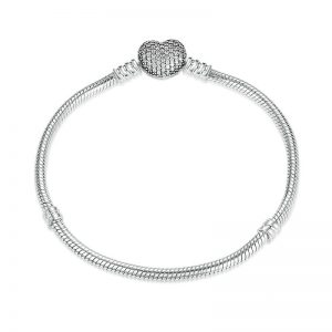 Silver-Bracelet-With-Pavé-Heart-Clasp