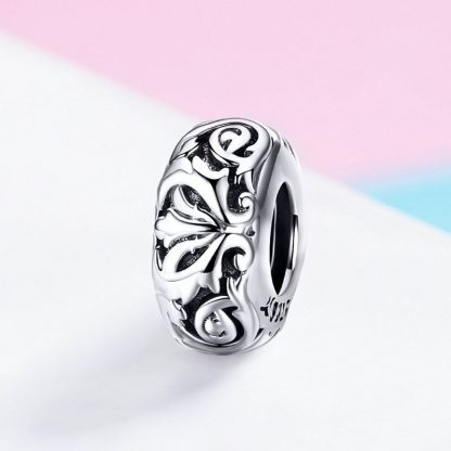 Lovely Lily Flower Spacer